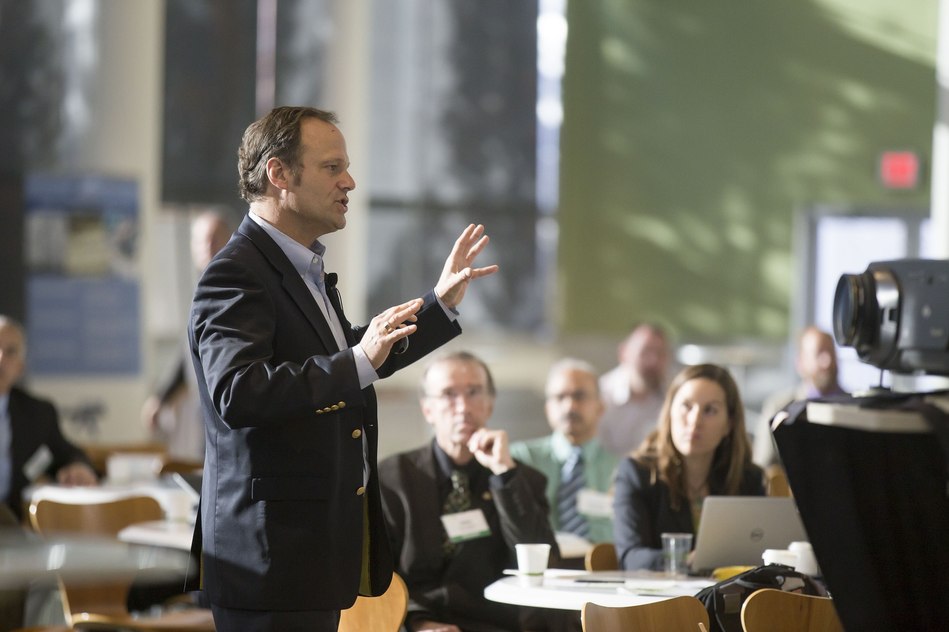 Public Speaking Dilemma: Why Don't They Respond?